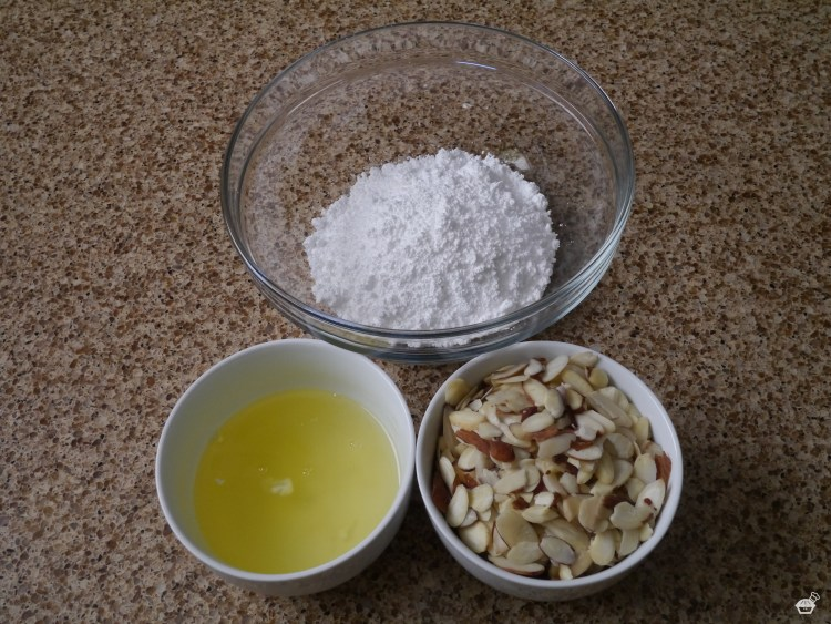 Crunchy Almond Topping Ingredients