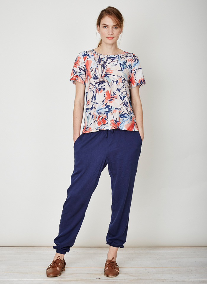 WST3049-Clemence-Floral-Top-Front