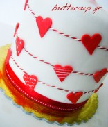red hearts cake-detail