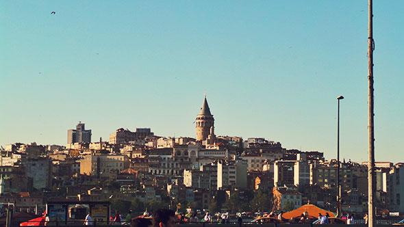 Istanbul mit Kind - Blick auf Galata Turm