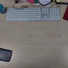 18:30 Uhr – Feierabend! Der Schreibtisch ist sogar einigermaßen leer, denn es handelt sich nicht nur um den vorletzten Arbeitstag der Woche, sondern auch um den vorletzten Tag vor dem zweiwöchigen Urlaub. Die freie Zeit werd ich nutzen, um mich mal wieder richtig um den Blog zu kümmern… Ha, der war gut…