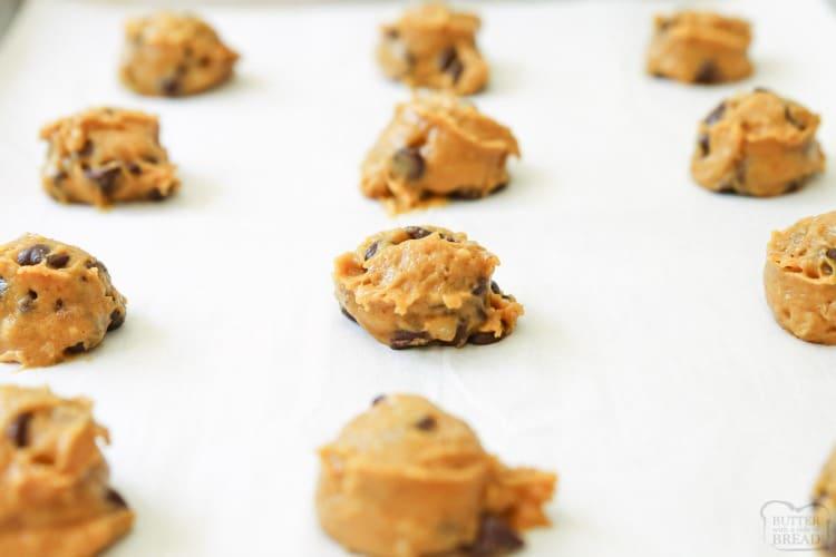 pumpkin chocolate chip cookies scooped