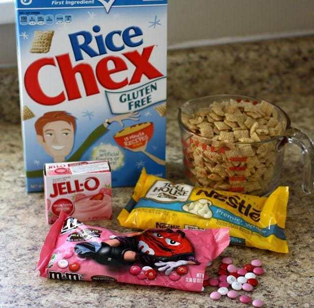 Strawberry Valentine Chex Mix: Butter with a Side of Bread