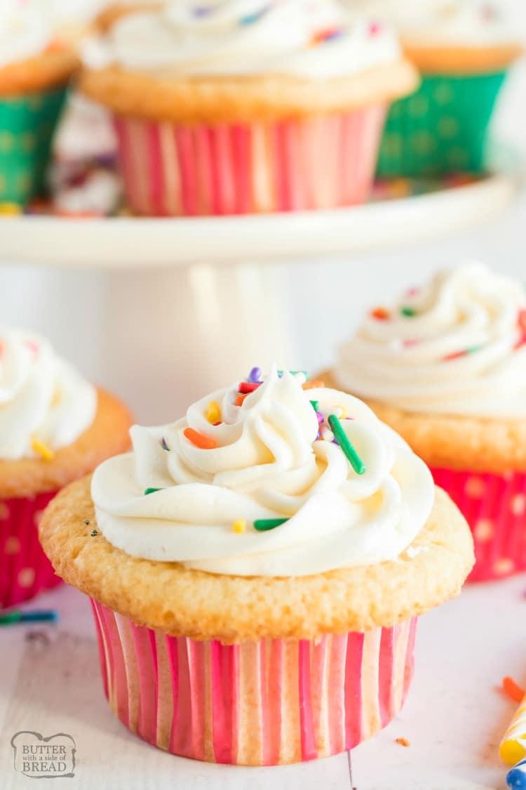 sugar cookie birthday cupcakes