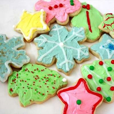 SOFT CHRISTMAS SUGAR COOKIES