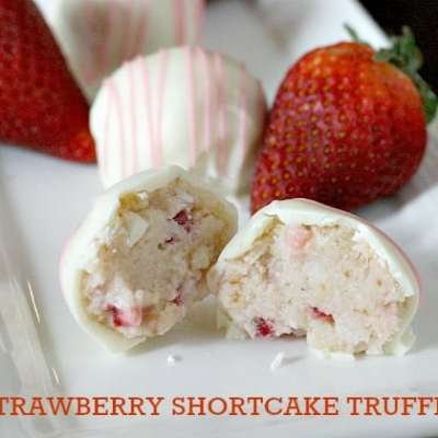 STRAWBERRY SHORTCAKE TRUFFLES