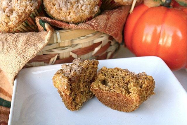 pumpkin-apple-muffins