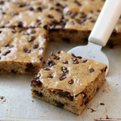 CHOCOLATE CHIP BANANA BARS