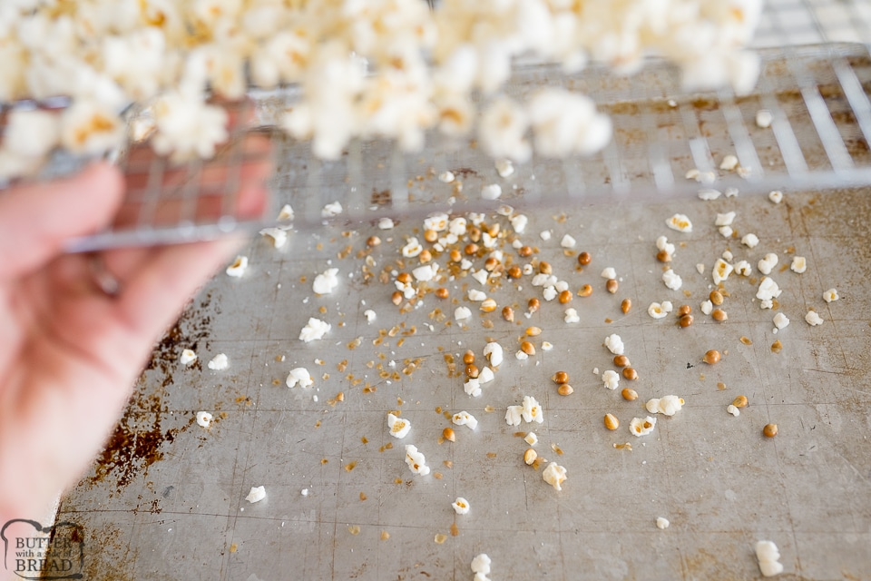removing unpopped popcorn kernels with a cooling rack