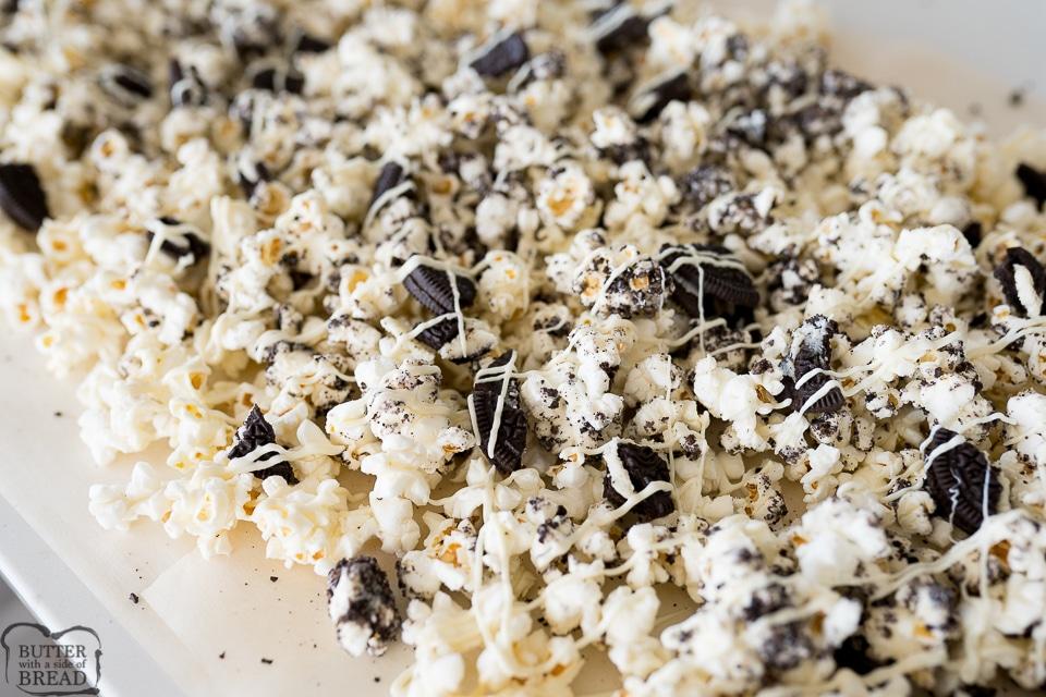 How to make Easy Oreo Popcorn recipe