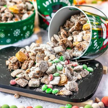 Christmas Muddy Buddies recipe