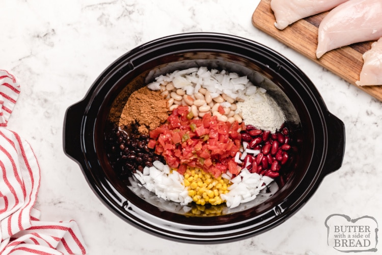 How to make slow cooker chicken taco soup