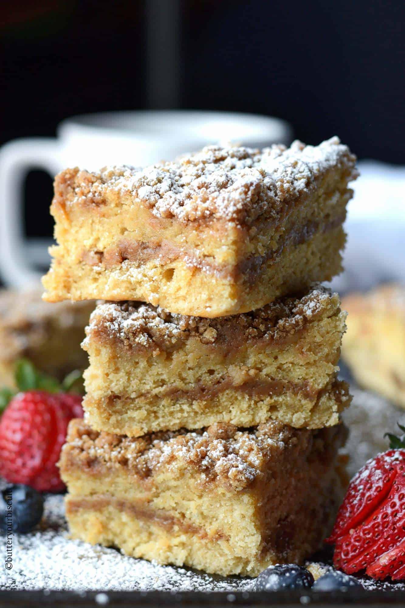Sour cream crumb cake