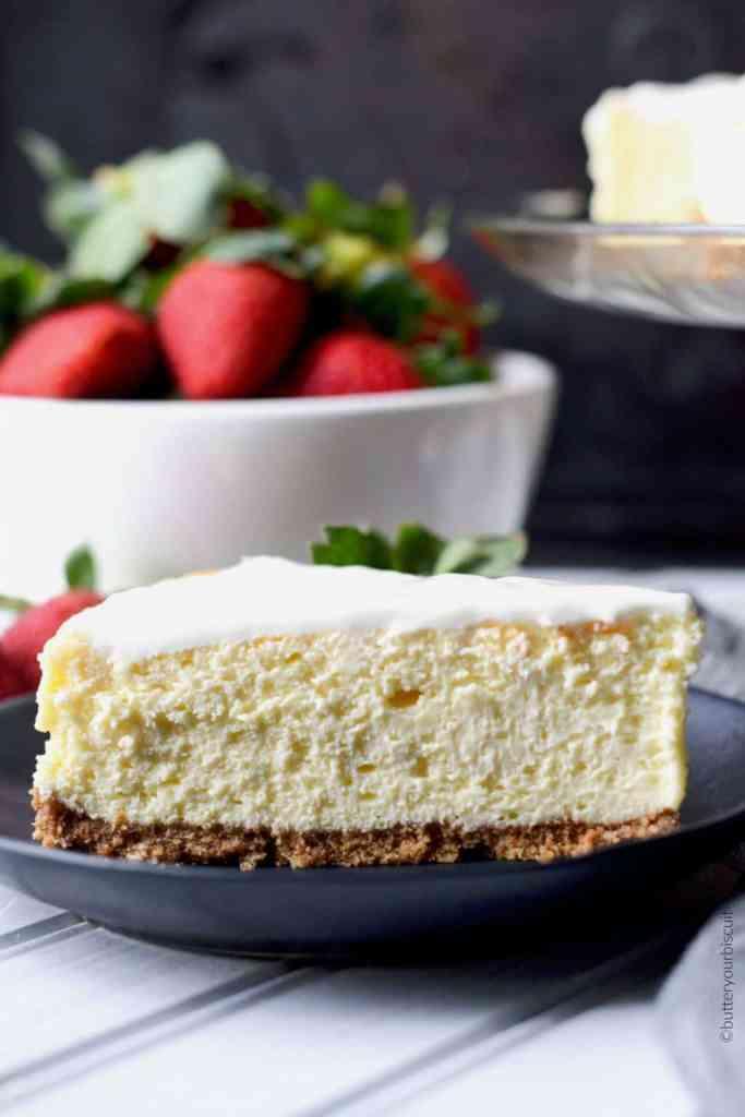 Rich and Creamy New York Cheesecake