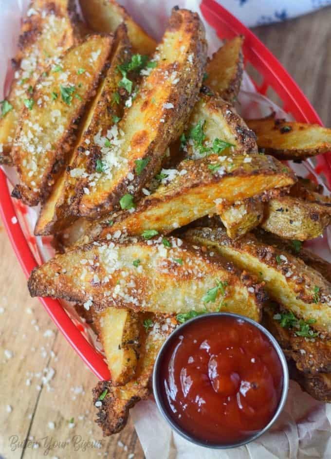 Crispy Baked Parmesan Potato Wedges