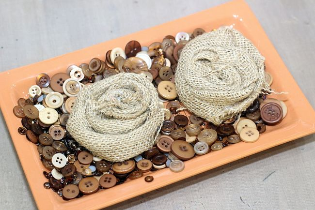 Accessorize with an easy DIY Button Brooch!
