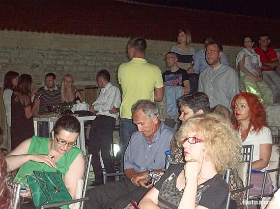 Publika - 6