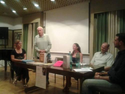 Učesnici programa večeri Jovana Todorović, dr Miroslav Luketić, mr Ana M. Zečević, akad. Radomir V. Ivanović i Dušan Medin
