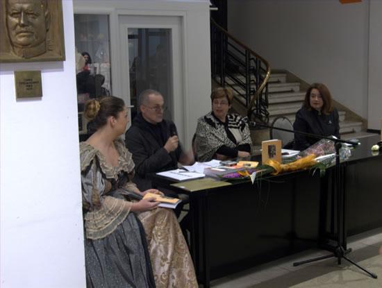 6 - Jovana Todorović, akademik Branislav Mitrović, dr Mila Medigović Steanović (autorka) i dr Mirjana Blagojević (recezentkinja)
