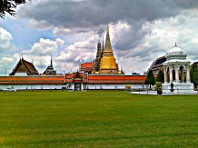 welcome to the Grand Palace in Bangkok, Thailand