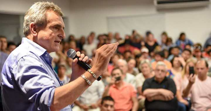 Peronismo explícito: Agustín Rossi brindará un acto esta noche junto a Sergio Leavy