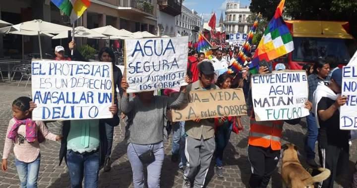 Mientras Urtubey cabalga en Jesús María y visita Carlos Paz, salteños piden agua potable