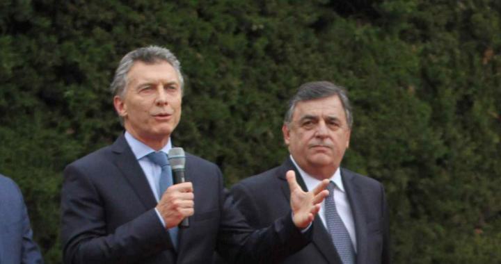 """La hipocresía también es insalubridad: la oposición apuesta a la """"antipolítica"""""""