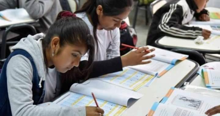 """Educación: """"La vuelta a las escuelas va a ser de forma escalonada"""""""