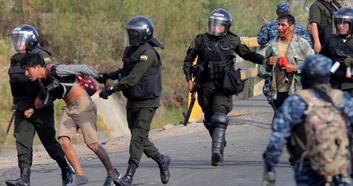 Régimen de Bolivia reprime a ciudadanía que protesta contra la postergación de elecciones