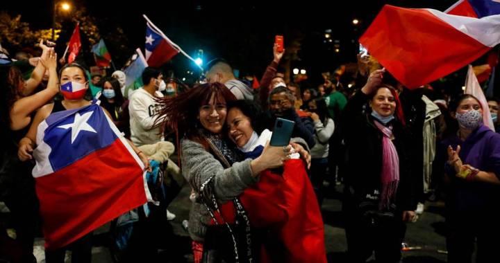 Chile decide redactar una nueva Constitución: Apruebo se impone con un 78,27% de los votos