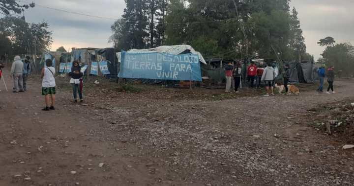 Niños y niñas incluidas, desalojaron a familias asentadas en San Lorenzo