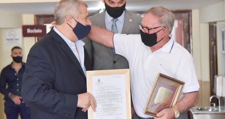 Concejo Deliberante de Salta condecora al represor Juan De la Cruz Kairuz