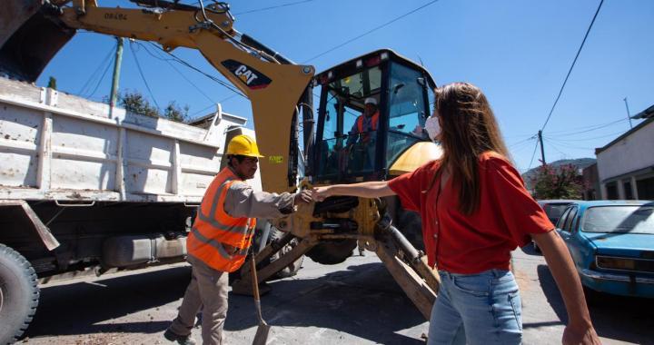 Según Federico Casas, «el pavimento es la obra icónica para el Municipio»