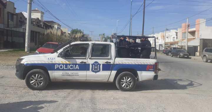 Paro Docente: el gobierno de Sáenz responde enviando Policías al Grand Bourg
