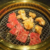 <台中燒肉> 屋馬燒肉最新MENU菜單,含全分店套餐價位、單點品項、訂位方式及停車資訊。