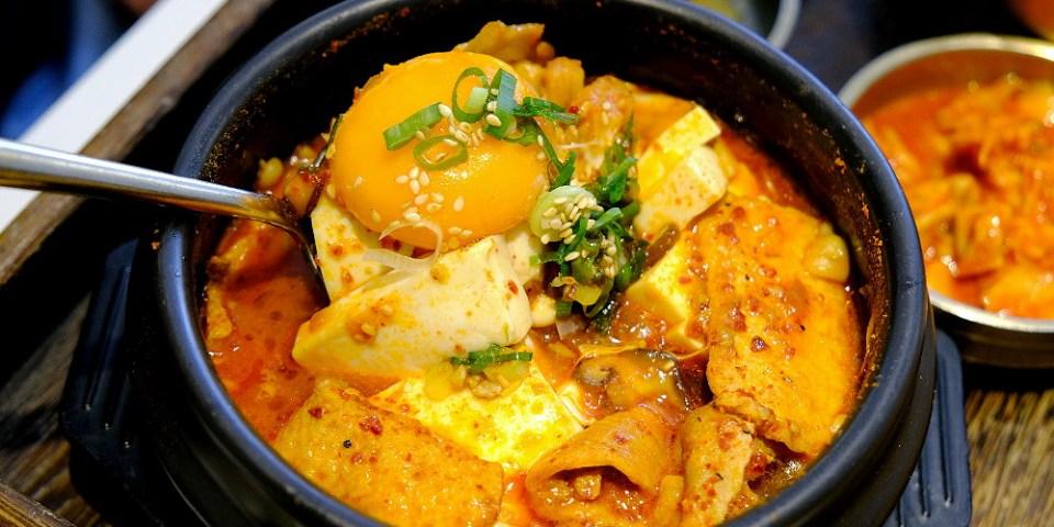 <台中韓式> 無理 WULI韓式餐館,飪室咖哩旗下最新品牌,老宅改建韓式豆腐鍋,美拍環境人氣夯!