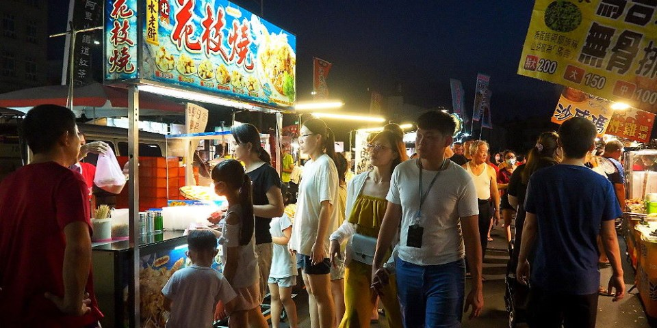 <台中清水> 清水五權夜市熱鬧開幕,美食小吃夜市遊戲通通有,還有人氣餐車進駐!