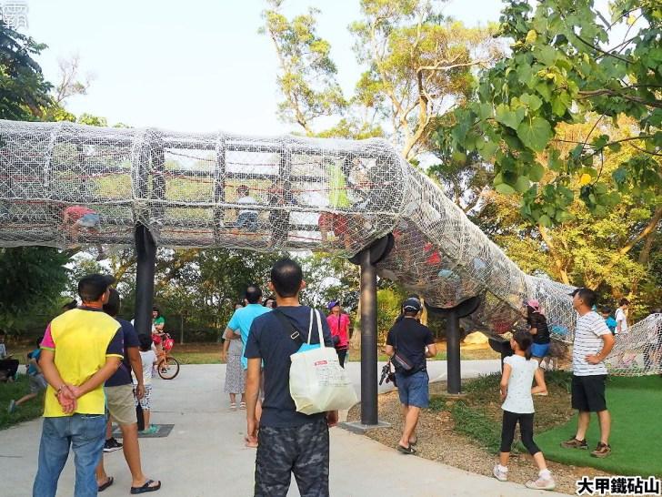 PA040142 01 - 雕塑公園新增溜滑梯、沙坑、爬網等設施,假日時刻家長們溜小孩的好去處~