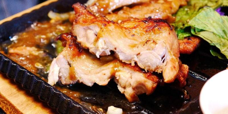 鉄板伍味,夜市牛排高級版,平價的排餐還有著潮味的裝潢。(台中排餐/北平路商圈/台中平價牛排/試吃)