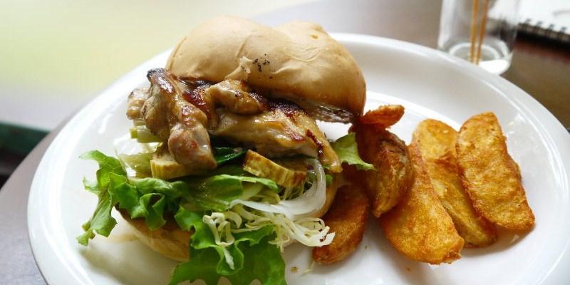 「小豚輕食。Kobuta brunch」日式照燒雞肉堡讓人有種吃串燒的fu捏 ~