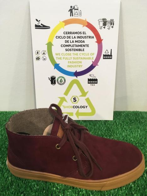 Zapato botín ecológico burdeos
