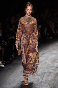 VALENTINO_2016SS_Pret_a_Porter_Collection_runway_gallery-55