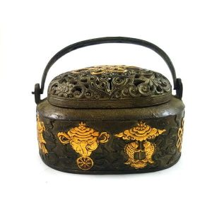 Antiquated Brass Trinket Box with 8 Auspicious Objects1