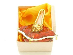 Bejeweled Wish-Fulfilling High Heel On Pillow Jewelry Box1