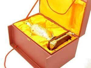 Exquisite Golden Vase With Running Horses1