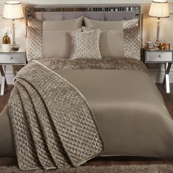 Glamour Velvet Sequin Bedspread 260 x 260cm with Pillowshams