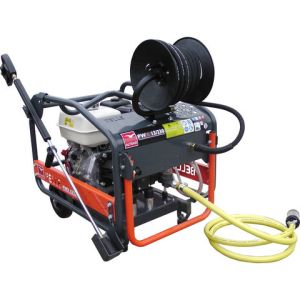 Altrad Belle Altrad Belle P132301RS PWX 13/230 Honda Petrol Engined Pressure Washer with Hose Reel