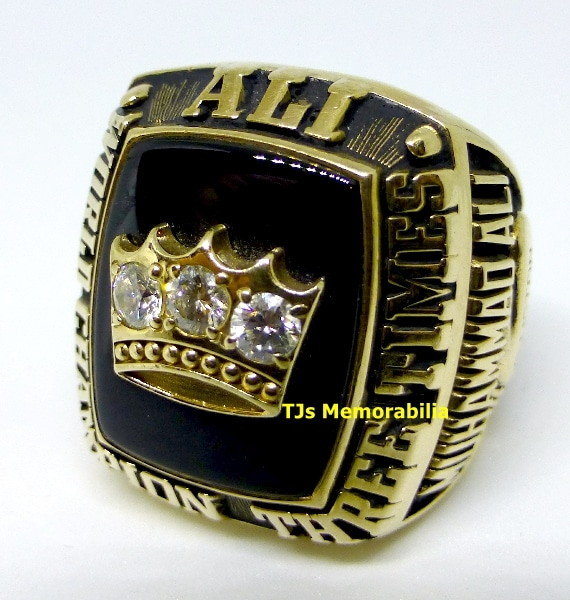 1978 MUHAMMAD ALI 3X HEAVYWEIGHT BOXING CHAMPIONSHIP RING