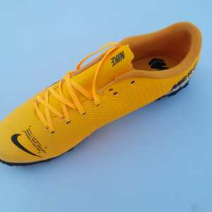 Mercurial vapor 13 academy yellow