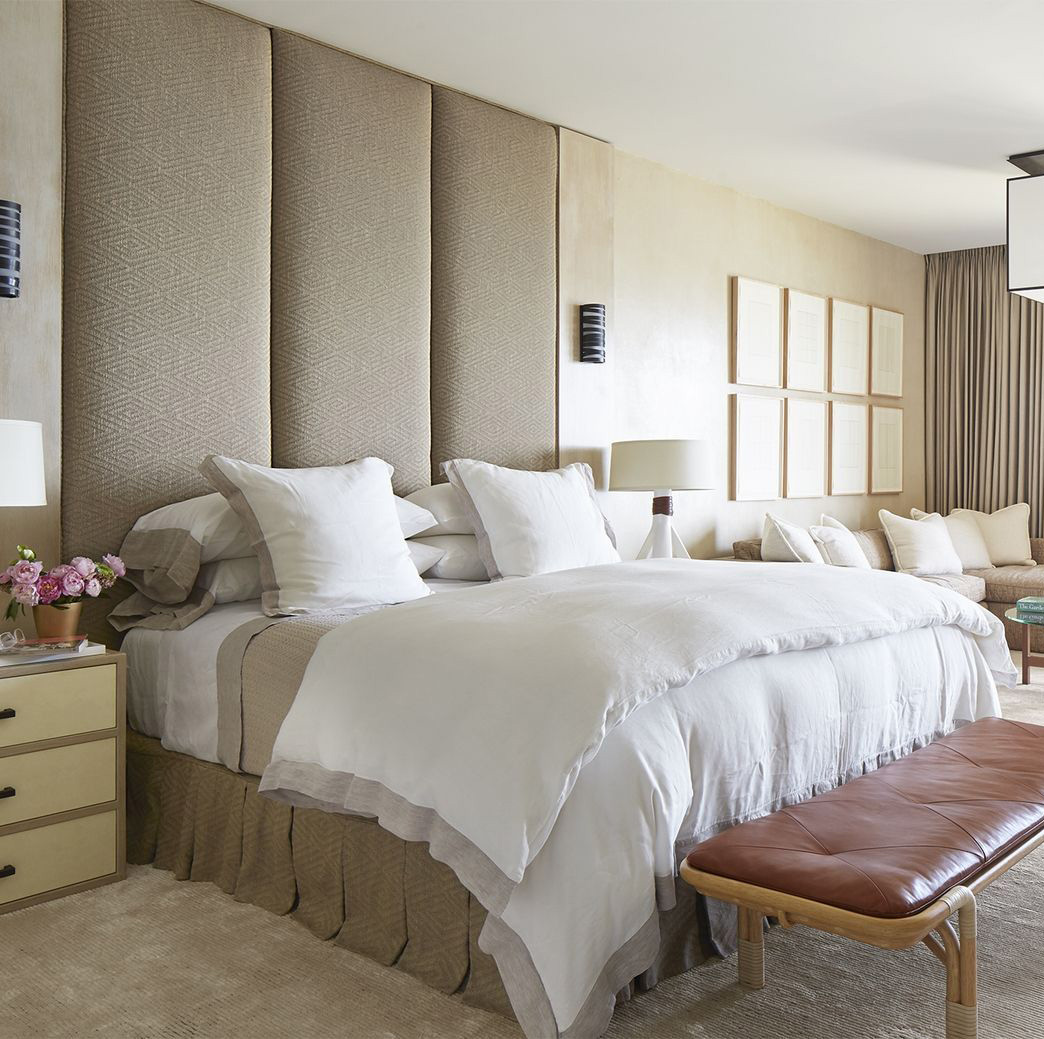 Bedrooms archives buyerselect for Large master bedroom ideas